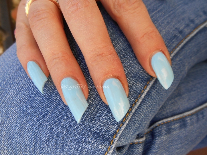 CLAIRE'S Baby blue 1
