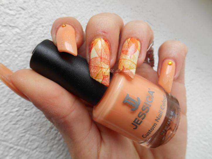 Nail art Feuillages orange 1