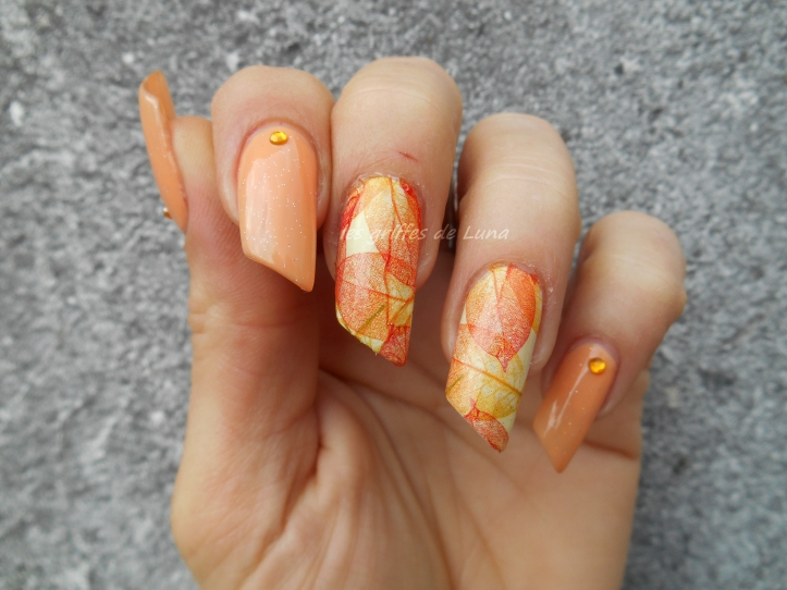 Nail art Feuillages orange 4
