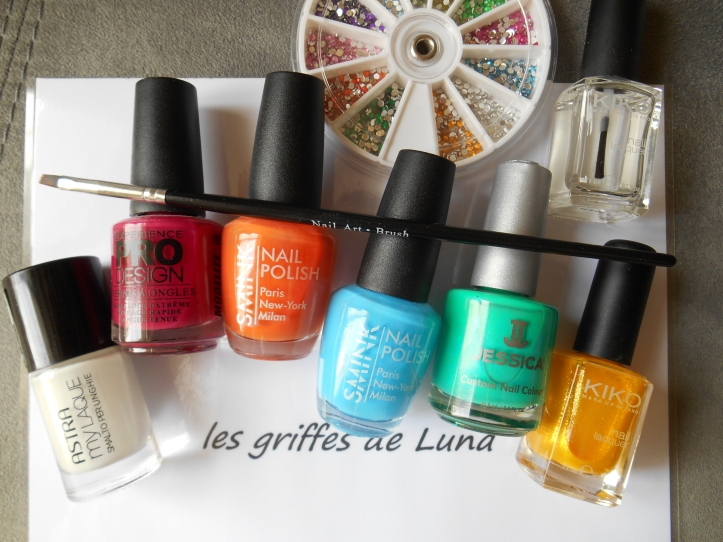 Nail art Touches de couleurs materiel