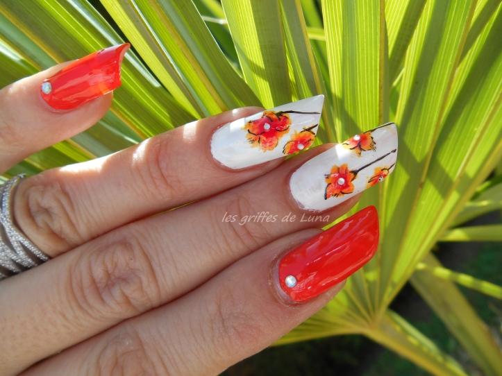 Nail art Orangé & fleurs légères 4