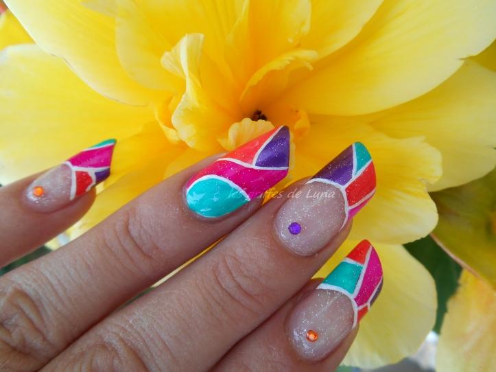 Nail art Mosaique d'été 3