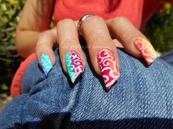 Nail art dégradé coloré 1