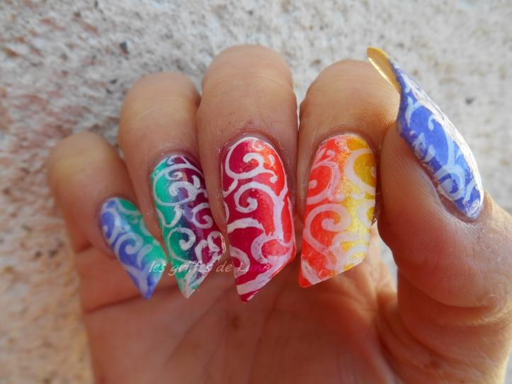 Nail art dégradé coloré 2