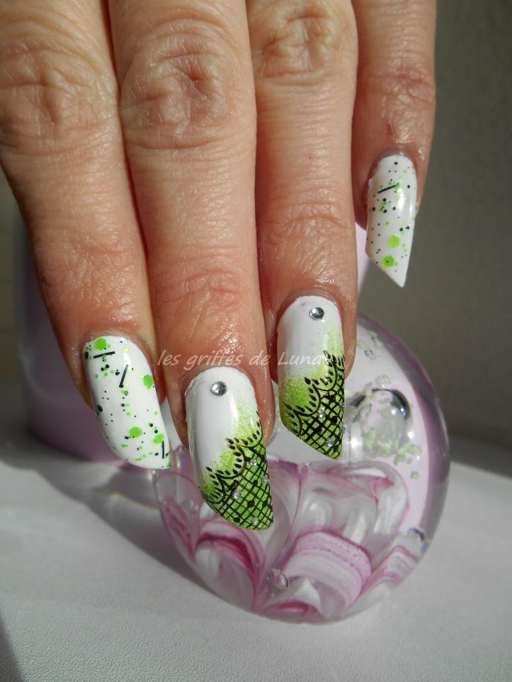 Nail art Vert & dentelle 1