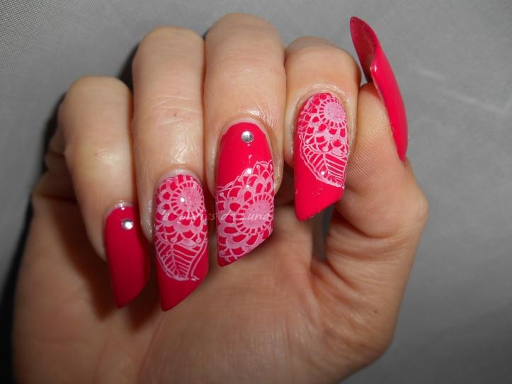 Nail art Stamping blanc & Fashion make up 0127 3