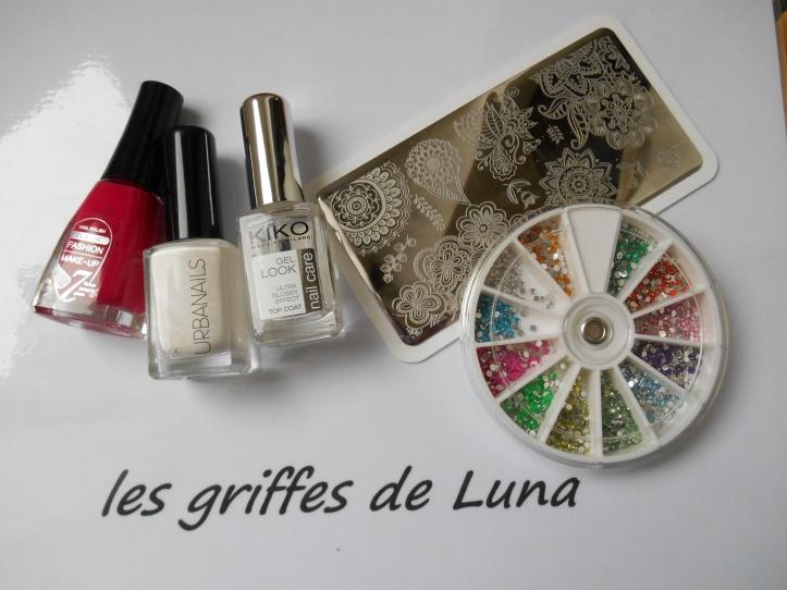 Nail art Stamping blanc & Fashion make up 0127 materiel