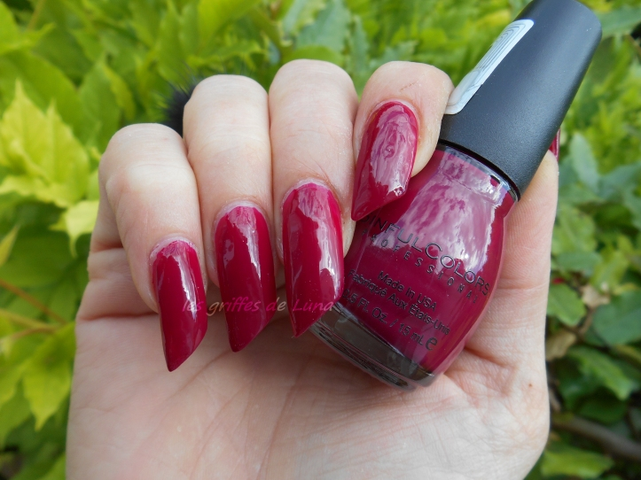 SINFULCOLORS 1208 Berry charm 1