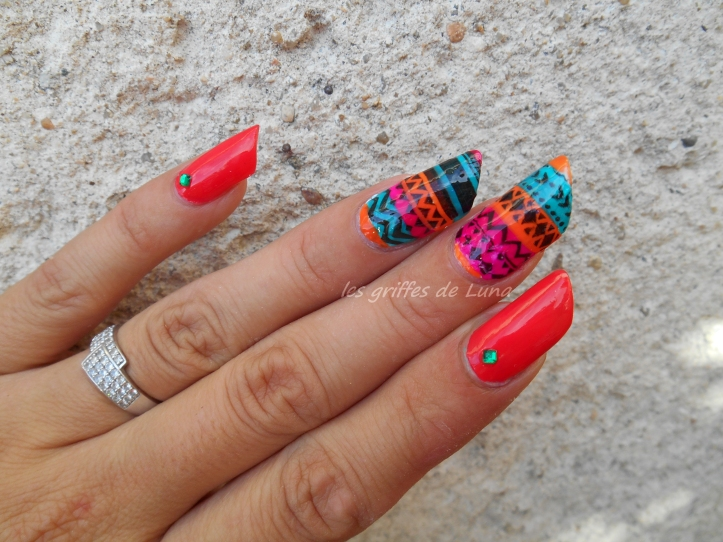 nail-art-stamping-inverse-ethnique-2