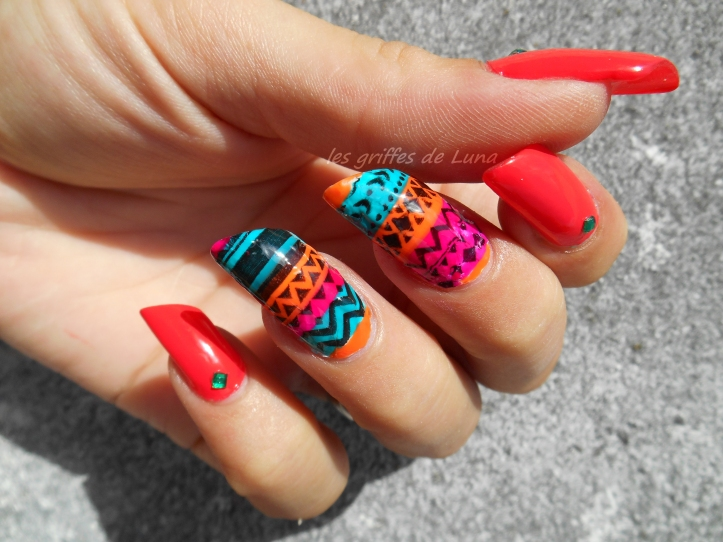 nail-art-stamping-inverse-ethnique-4