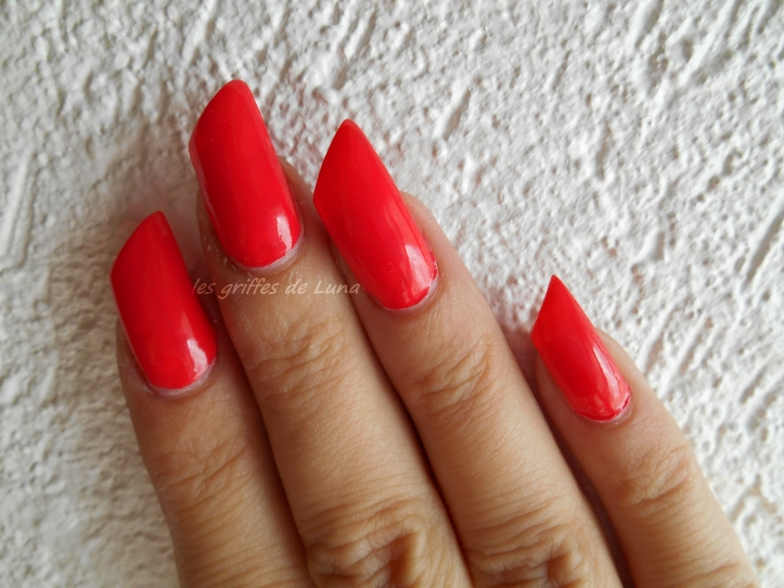 sinfulcolors-1122-energetic-red-4