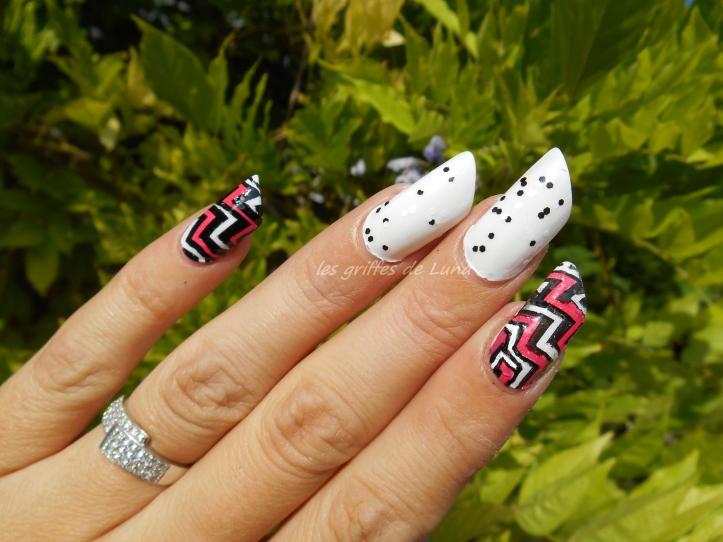 nail-art-zig-zag-en-stickers-3