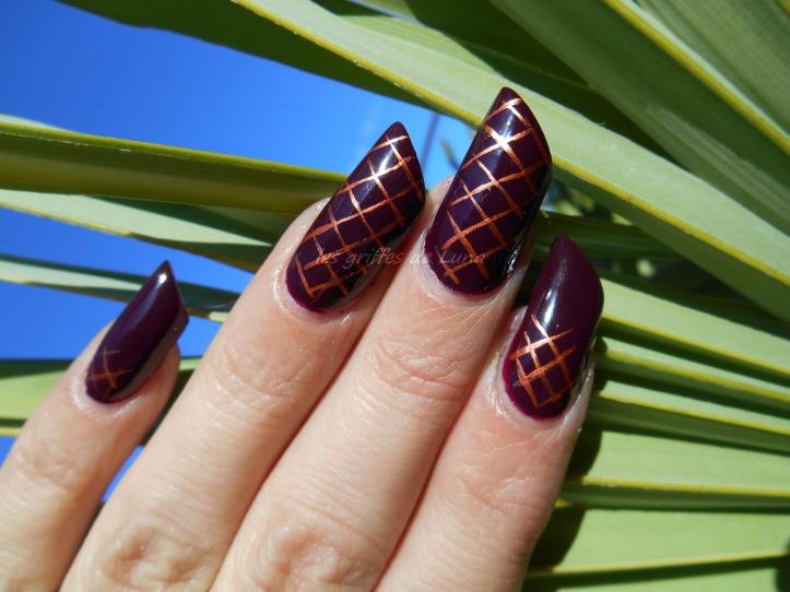 nail-art-quadrillage-simple-4
