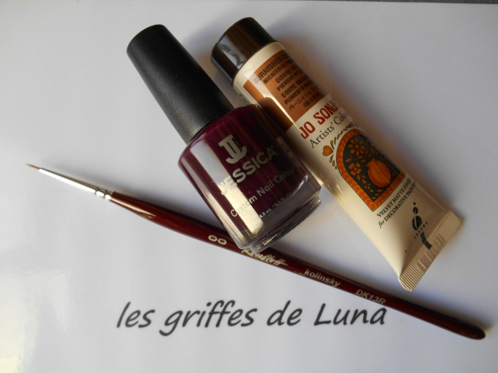 nail-art-quadrillage-simple-materiel