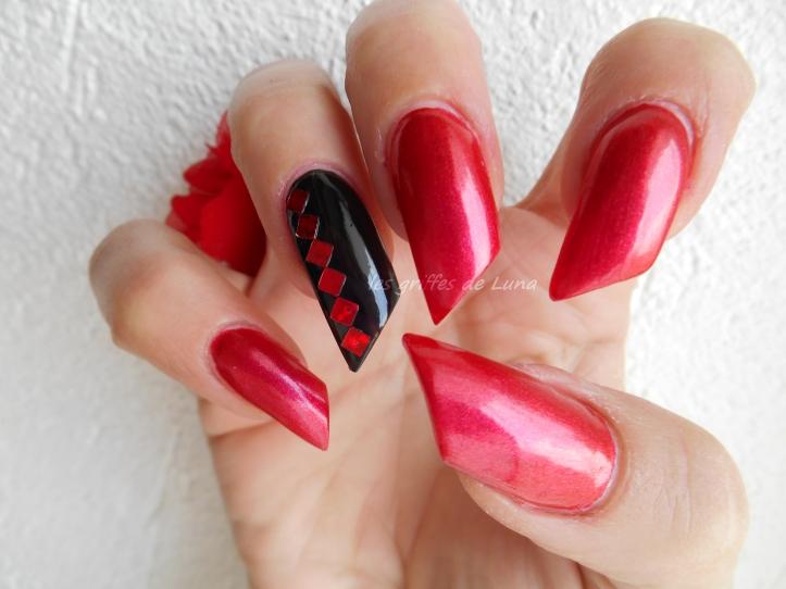 nail-art-rouge-noir-3