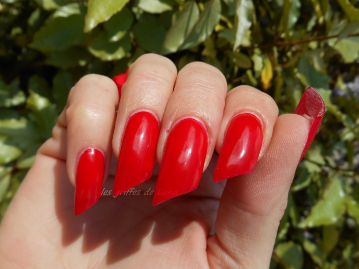 vera-valenti-rouge-vif-3